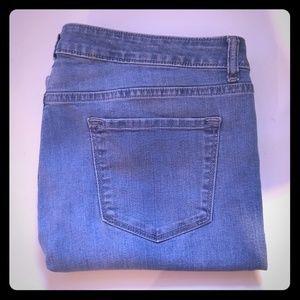 APT 9 bermuda shorts size 16